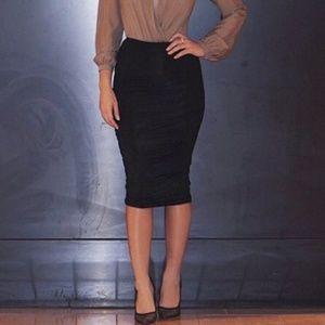 Dresses & Skirts - Ruched black skirt